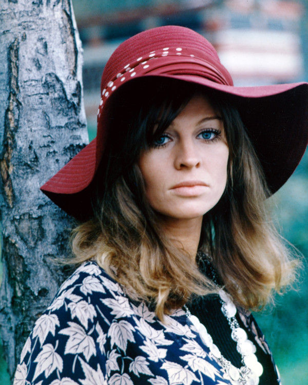 Boho Aries Horoscopes Julie Christie Ali MacGraw
